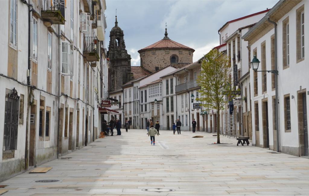 Reurbanización Calle Carretas en Santiago - Vista general