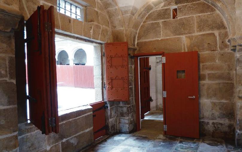 Santiago Casa do Cabildo rehabilitación - Interior entrada