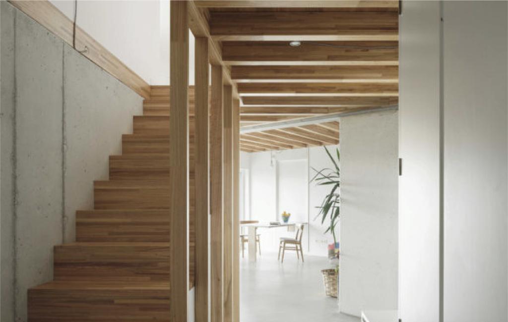 Vivienda unifamiliar certificada con el estándar passivhaus en Cachóns -Interior-escaleras